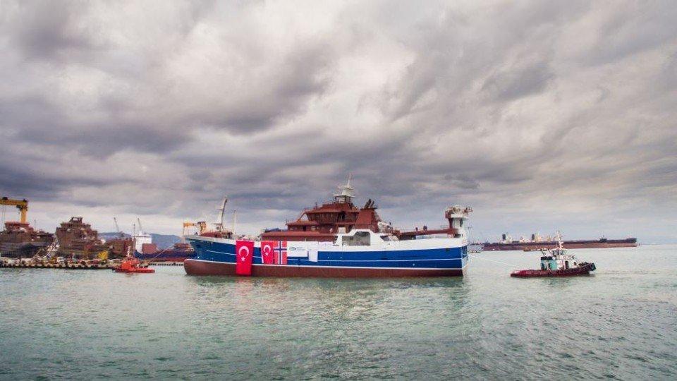 Cemre Tersanesi Purse Seiner/Trawler NB64 Libas'ı suyla buluşturdu.